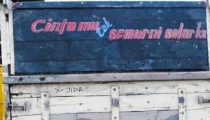 tulisan lucu dan unik di truk
